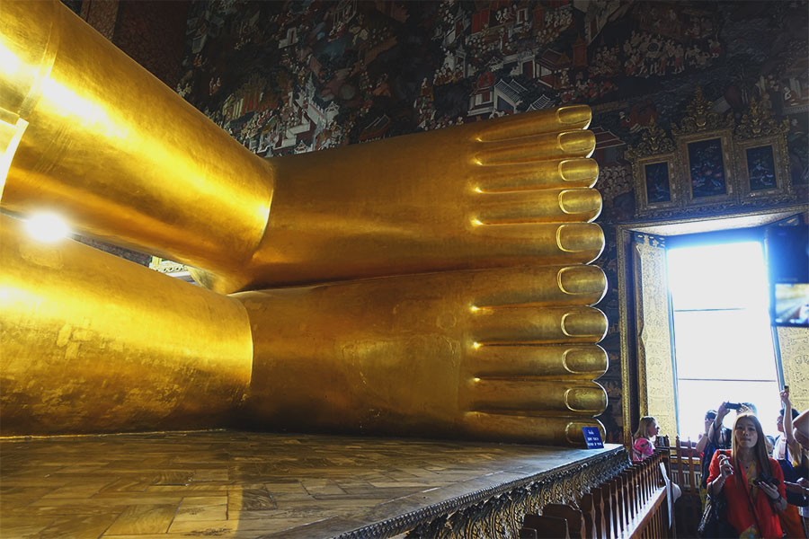 reclining-buddha-feet